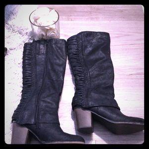 Fergie black suede zip up boots size 9